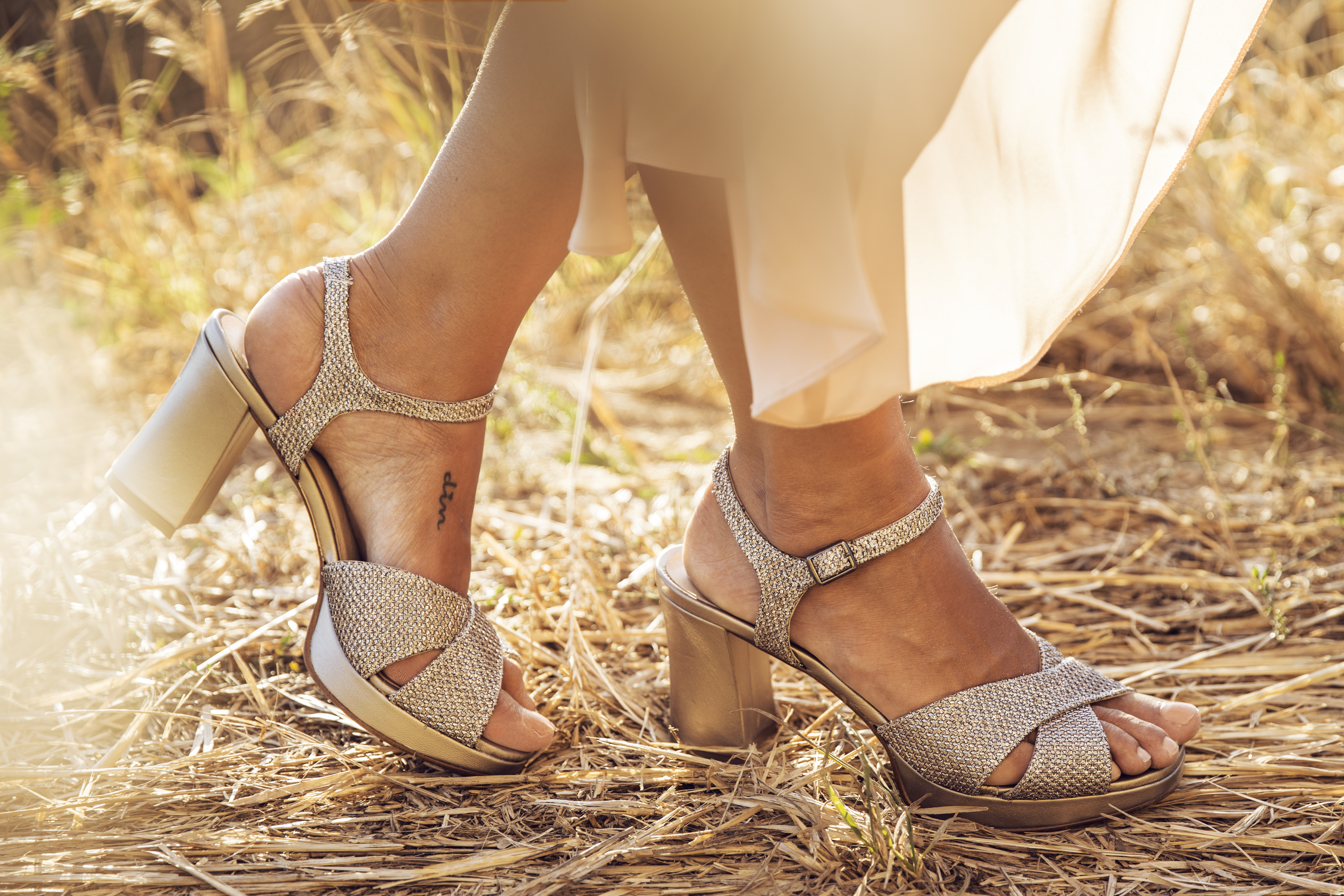 zapatos tacón invitada Un Paso Más