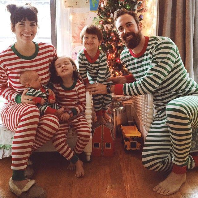e1ce7400bf32515c9bdb2113a952f5bd--matching-christmas-pajamas-family-christmas-pajamas